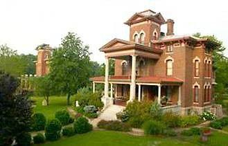 Hotel Lyons Twin Mansions Fort Scott